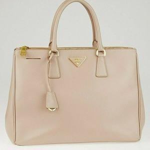 Prada Saffiano Lux Double-Zip Tote Bag in Cammeo